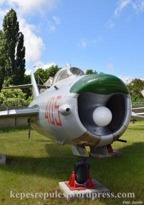 MiG_17_01